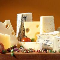 Можно ли хранить сыр в морозилке?
